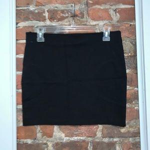 H&M black skirt. NWT SIZE 10